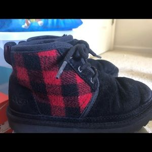 UGG Neumel II Suede Plaid lined Boot kids size 2
